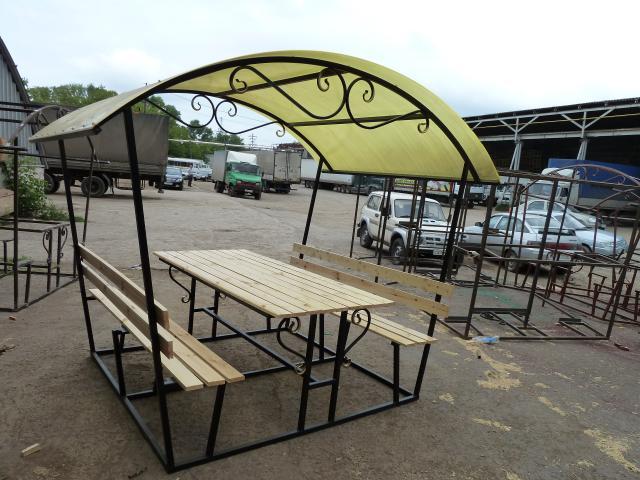 Столы и скамейки на даче 58
